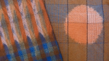 Cross dyeing: fabrics woven of wool, cotton, silk, dyed with indigo and madder